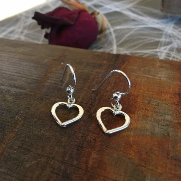 Silver heart earrings, Hjärtlig, handcrafted by GULDVIVA using recycled silver.