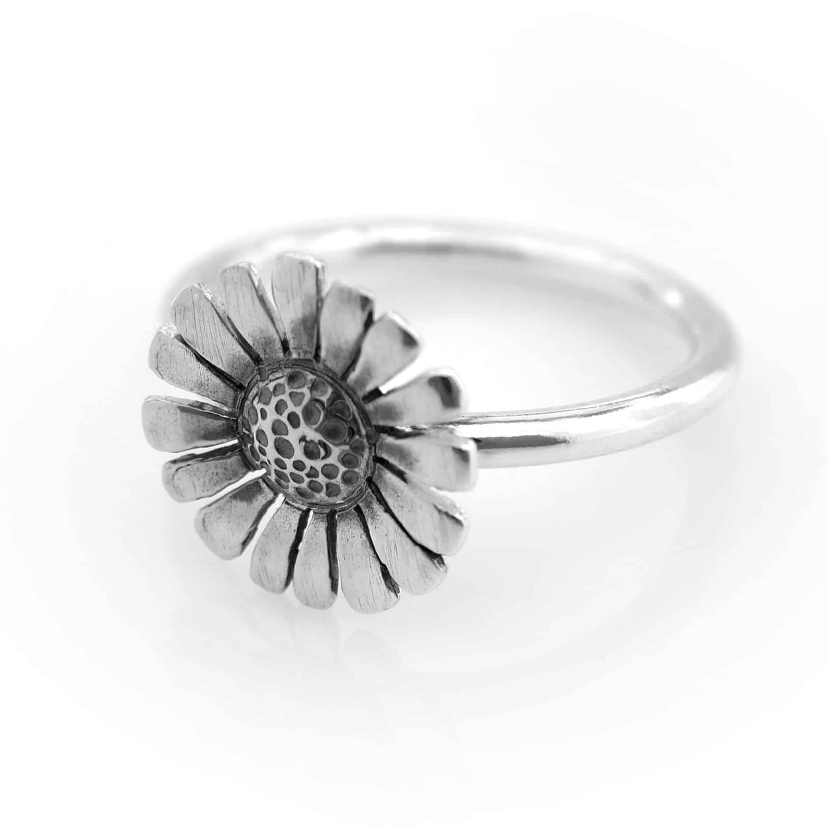 DAISY ring-0