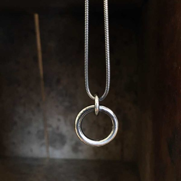 I Hamn sterling silver necklace, handcrafted by GULDVIVA