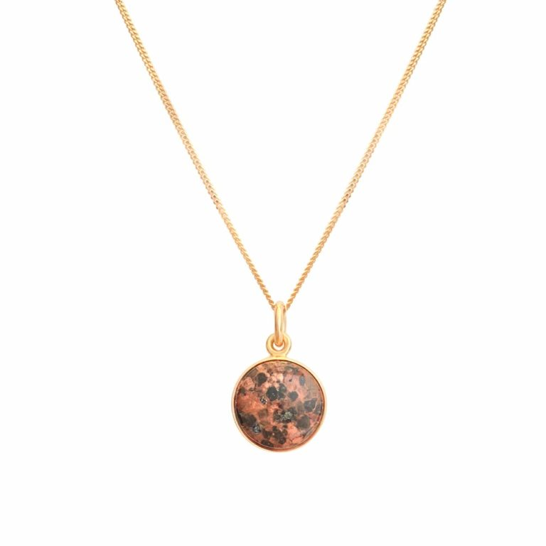 18K gold pendant with red granite from the Åland Islands, handcrafted by GULDVIVA