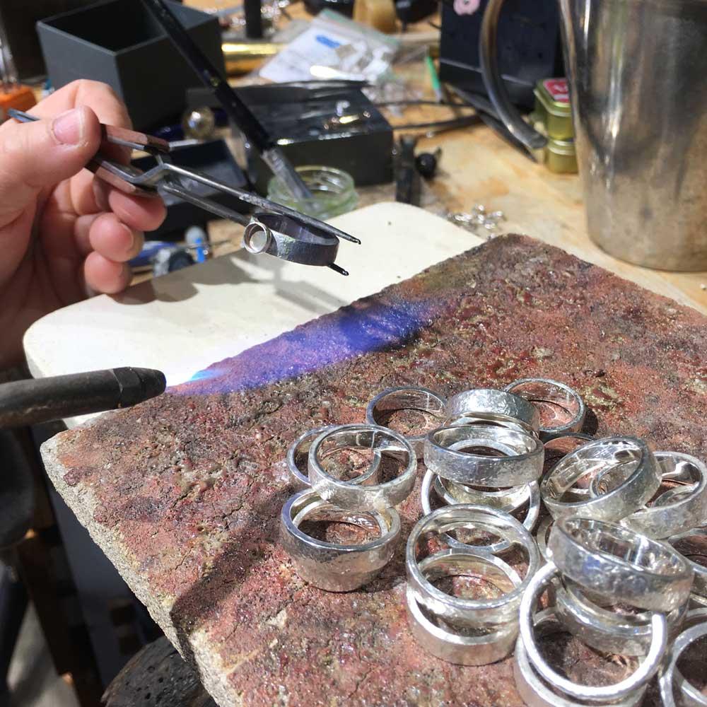 """GULDVIVA workshop - handcrafting rings in sterling silver - """"Björk"""""""